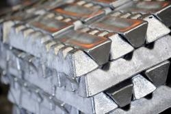 Aluminium ingots on CIF